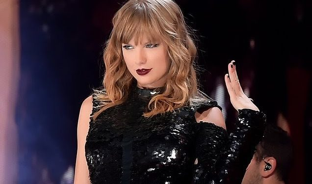 Is taylor still dating her lawyer
